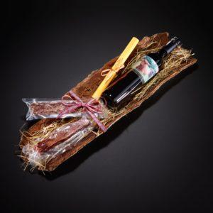 Hochlandrinder Geschenkset Rinde mit Hochlandrinder-Wein und Wurstspezialitäten